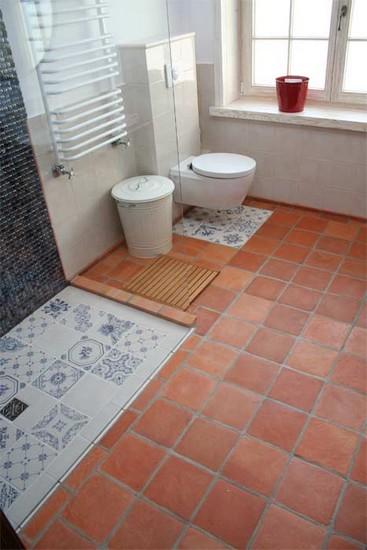 roginski-terakotos-grindu-danga-vonioje-17