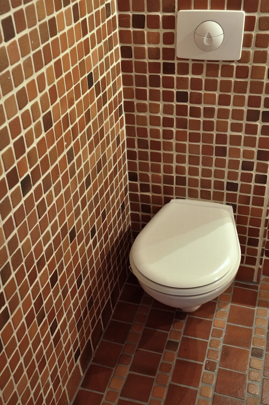 roginski-terakotos-grindu-danga-vonioje-8